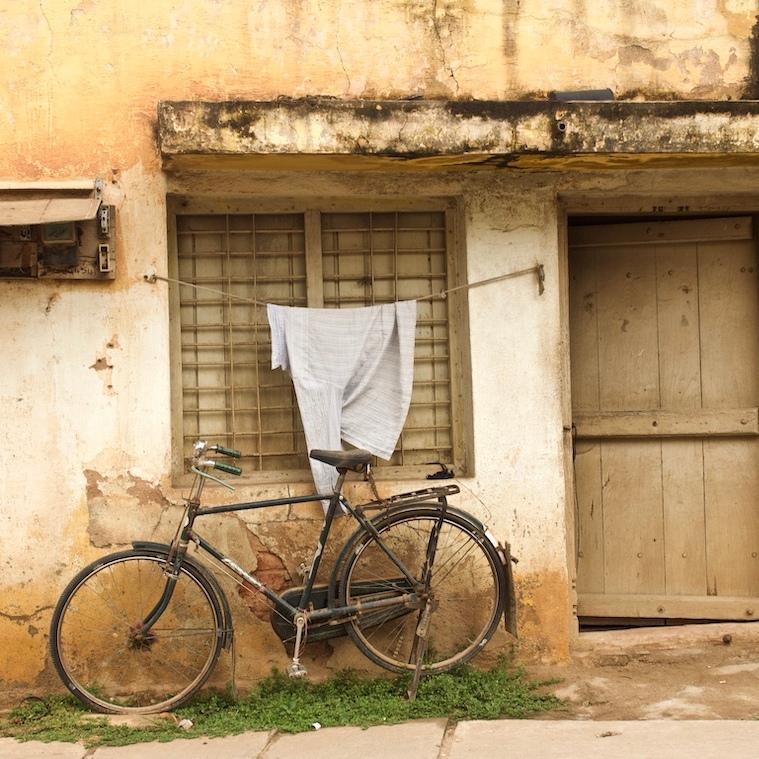 The Atlas Cycle outside a house