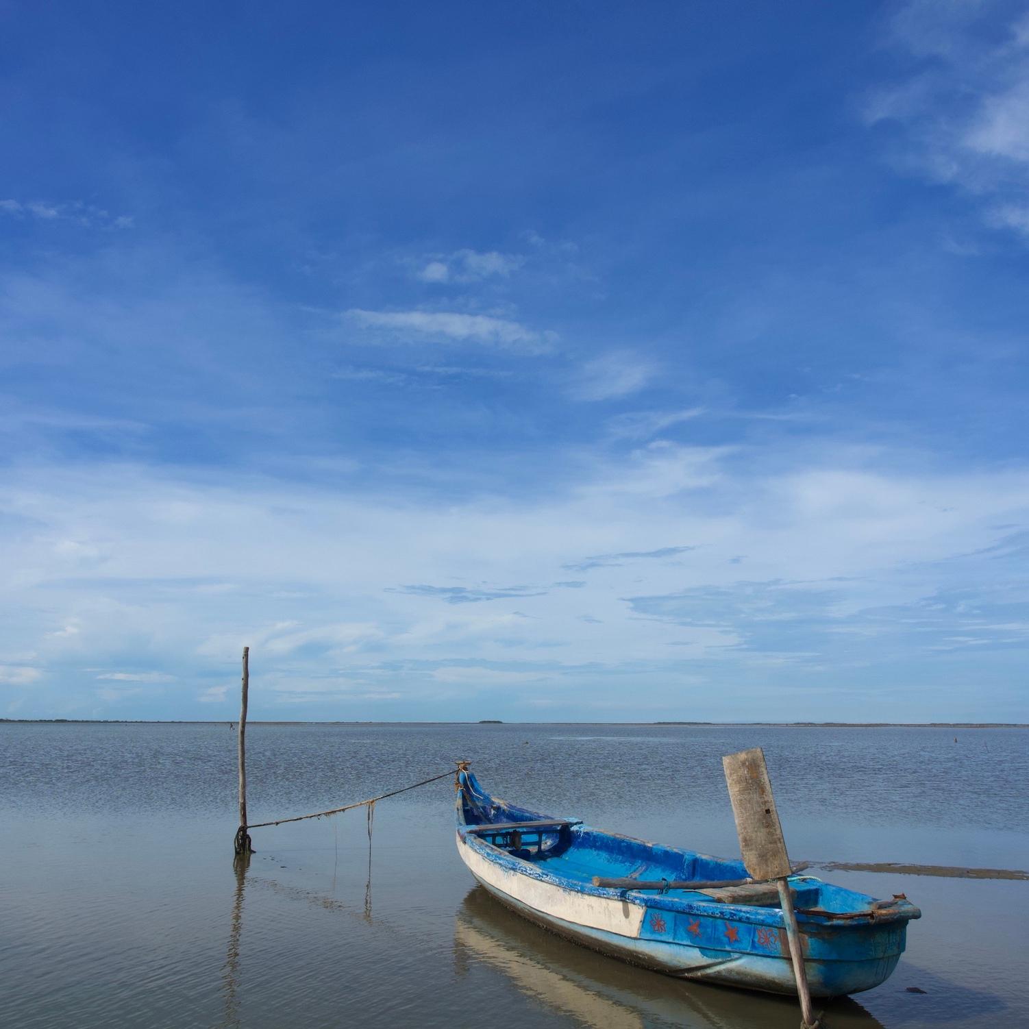 Fishing boat facing the Indian Ocean.